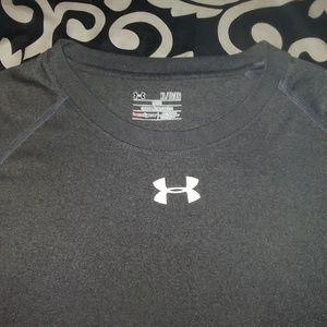 Men Under Armour t- shirt